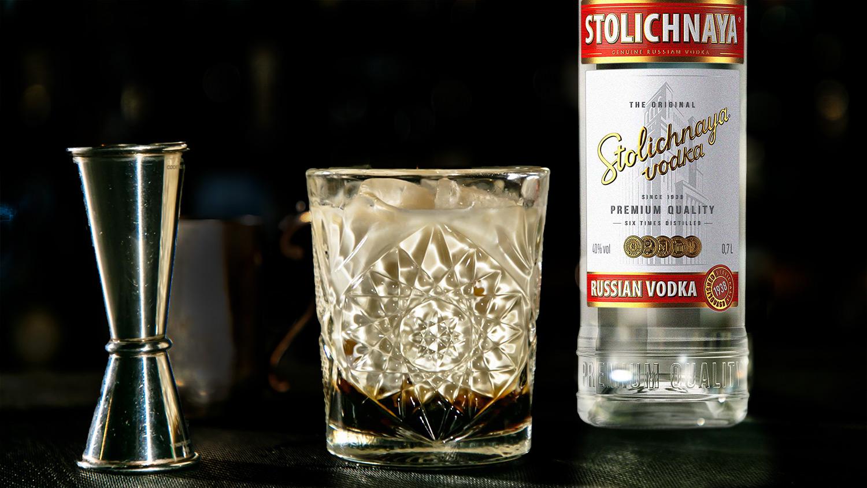 Рецепт коктейля Белый русский на водке столичная Брянскспиртпром