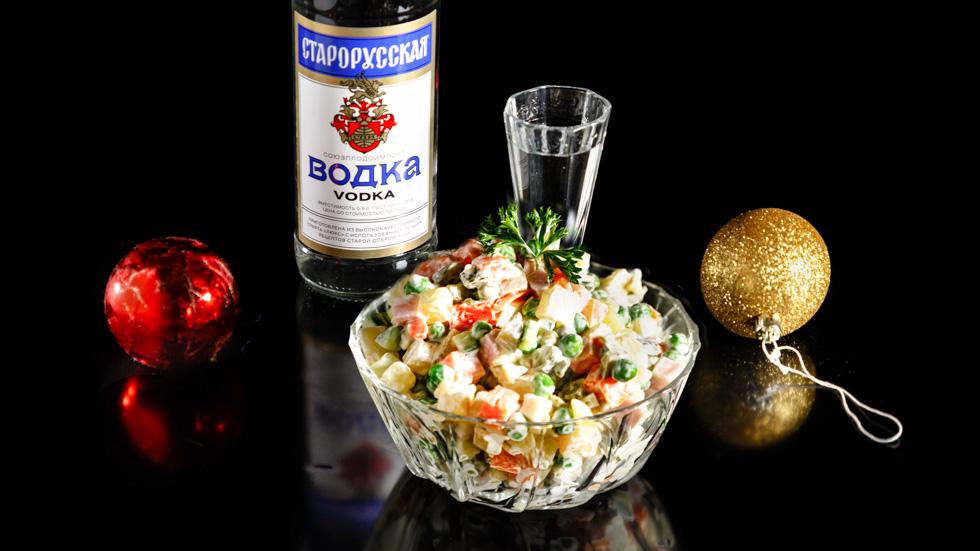 Простой рецепт оливьес колбасой и водкой старорусская БрянскСпиртПром