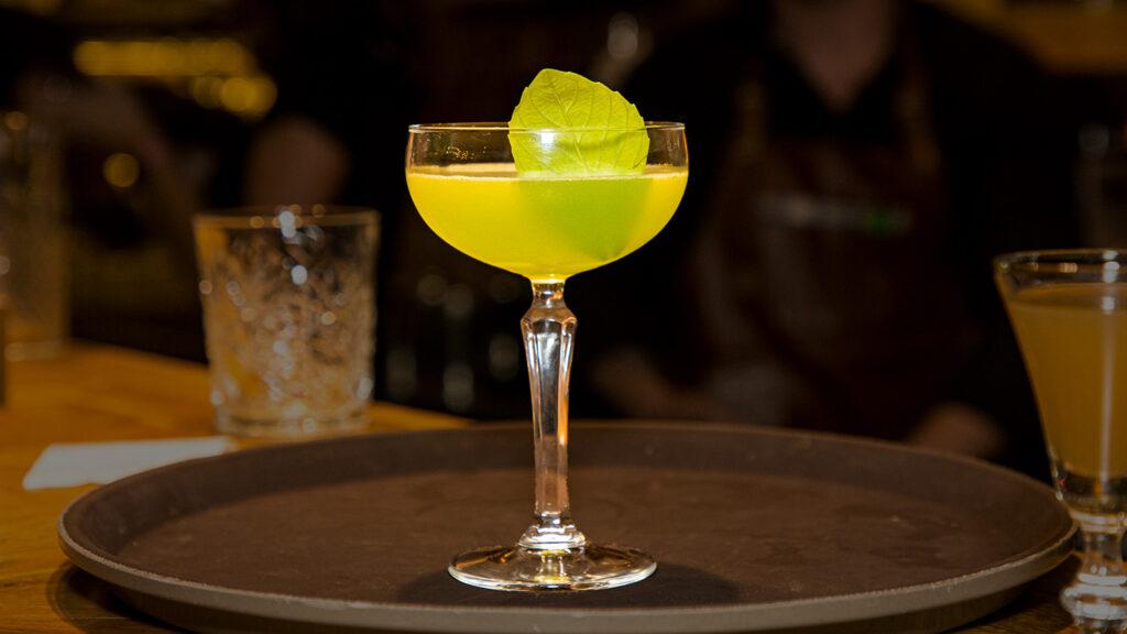 коктейль с Борщёвкой с базиликом БрянскСпиртПром авторский