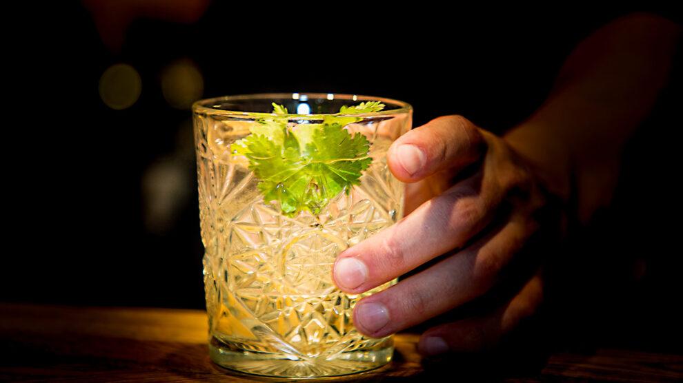 На основе самогона «Живой Рецепт» коктейль «БирСэм»