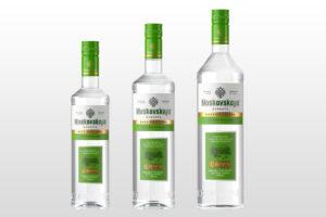 Продажи водки «Московская»/«Moskovskaya» в обновленном дизайне стартуют в сети «Красное и Белое»